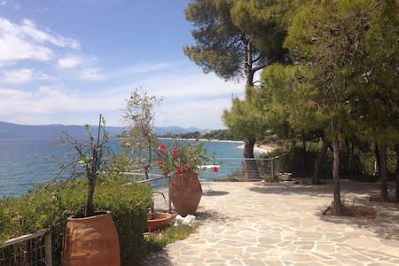 Mansion with private access to sea! - Kineta - Villa