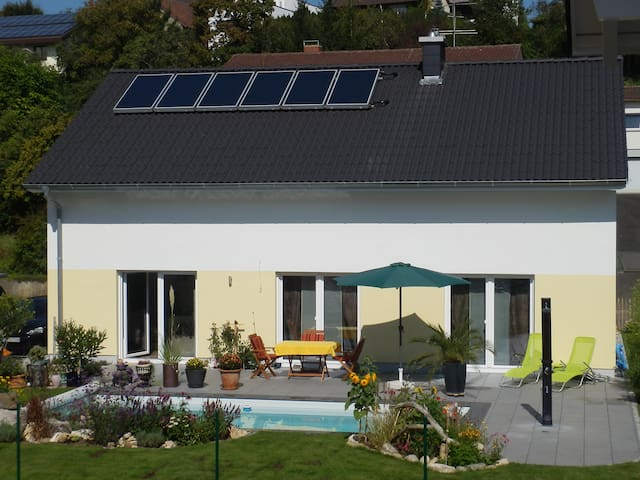 Schöne moderne Zimmer in Neubau - Engen - Bed & Breakfast