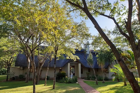 Marula Holiday Home, Victoria Falls