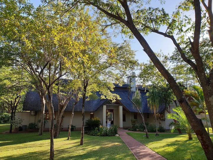 Marula Holiday Home, Victoria Falls