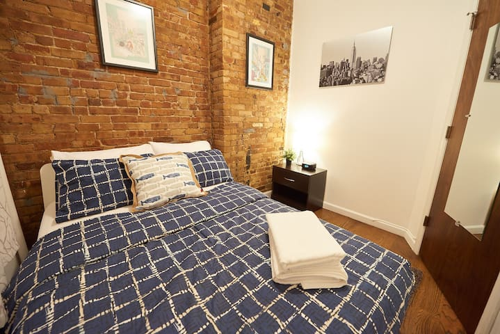 Comfortable 2 BED apt Lower East Side
