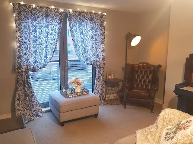 Stylish Quayside Apt, free parking & Wi-Fi