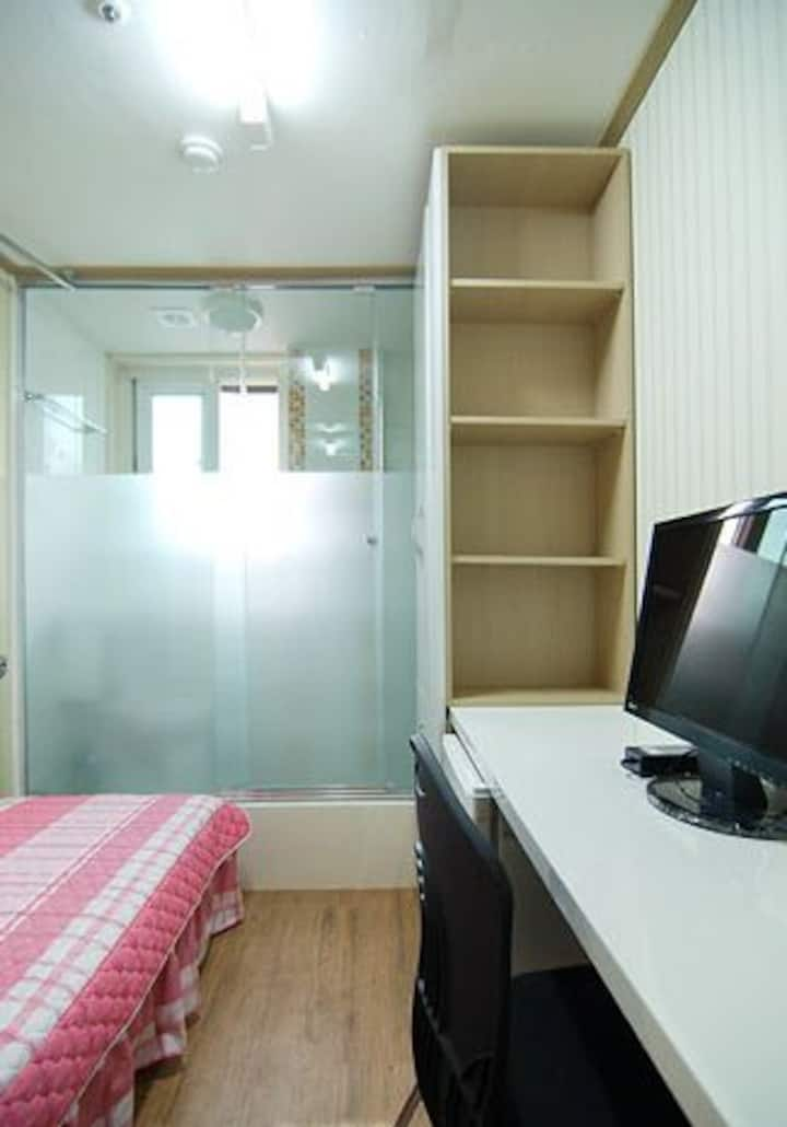 서강대 깨끗한 방-1 Clean room for foreigners Sogang Univ.