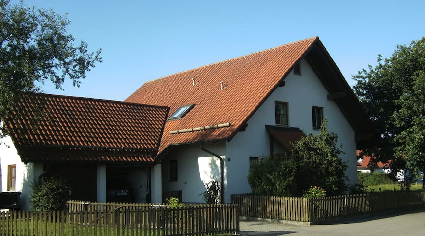 B & B bei Stephan # 3 - Memmingerberg - House