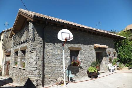 Casa Aurea - Jaca - House