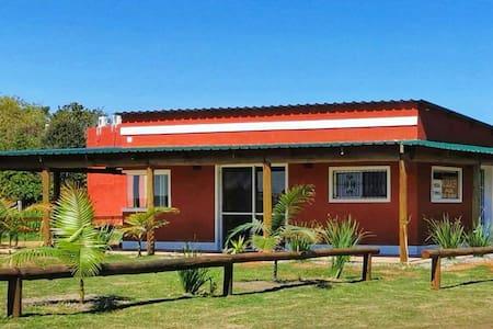 Casa nueva, vista a la laguna / Haus mit Seeblick
