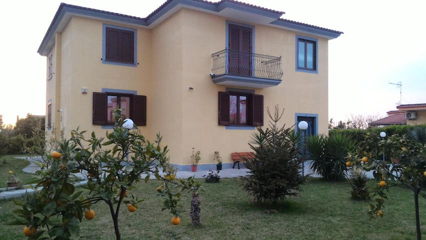 Mini appartamento in B&B Villa Rosa vista Castello - Sant'Antonio Abate - Bed & Breakfast