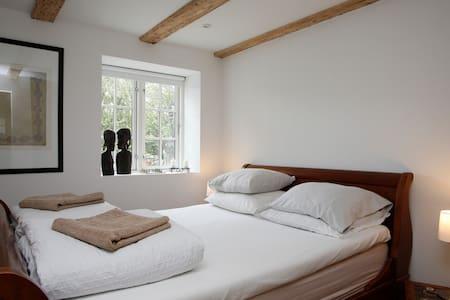Beautiful Danish Villa Double Room - โคเปนเฮเกน