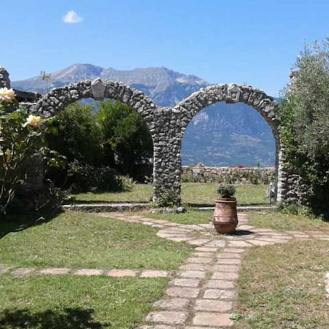 Vacation Rental House with Garden in Abruzzo