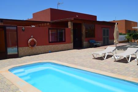 Villa de cuatro habitaciones con piscina privada - Antigua