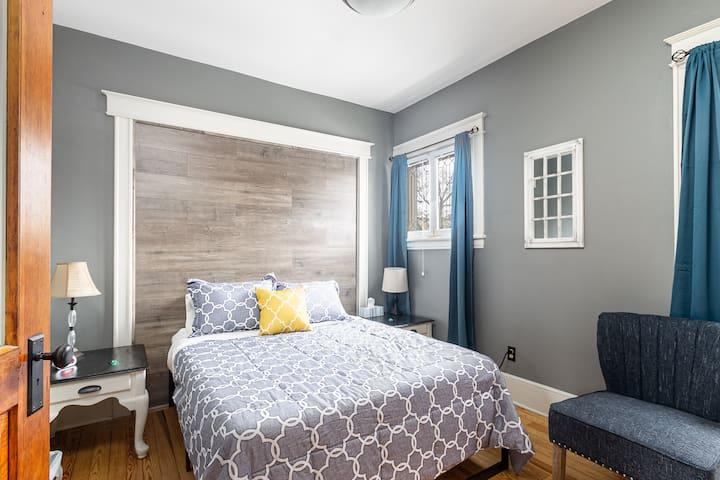 Bedroom 2:  First floor, 1 queen bed, 1 smart TV.
