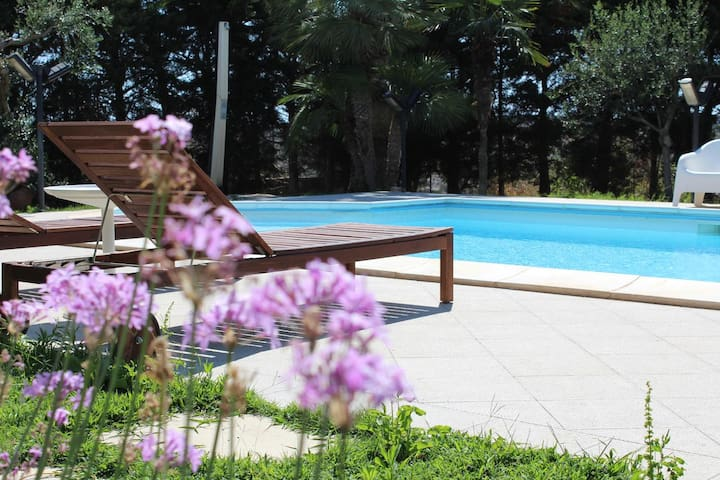 Suite Deluxe in Villa Orchidea - Swimming pool
