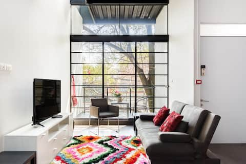 Industrial Loft Apartment with Roof Garden T