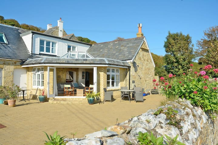 Stable Cottage: perfect for groups & families