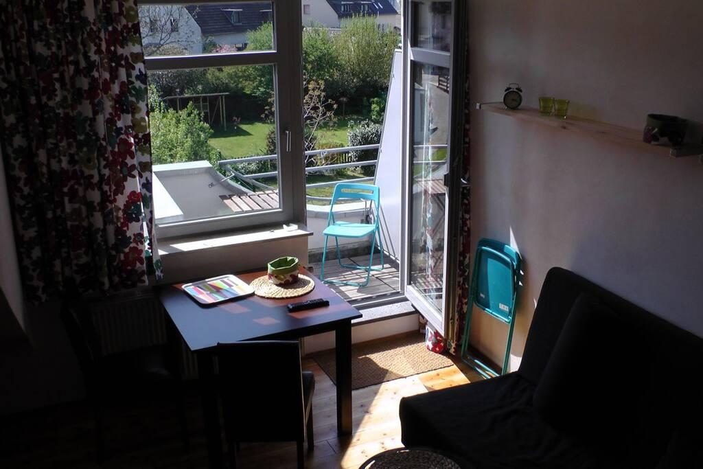 Wohnbereich mit Balkon S/WLage
