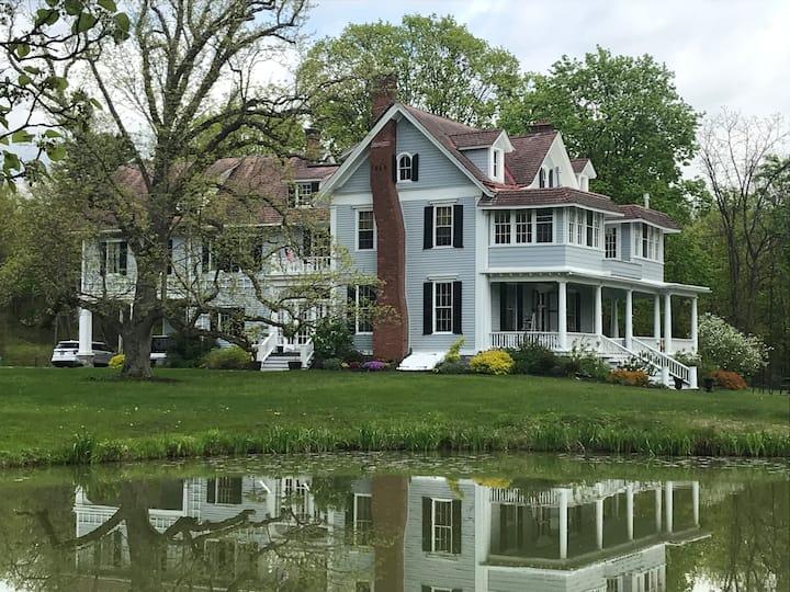 3 Private Suites in Historic Mansion