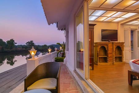 Grand River View room in a Palace - Siolim - Bed & Breakfast