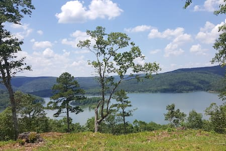 BRAND NEW! Greers Ferry Lake view cabin