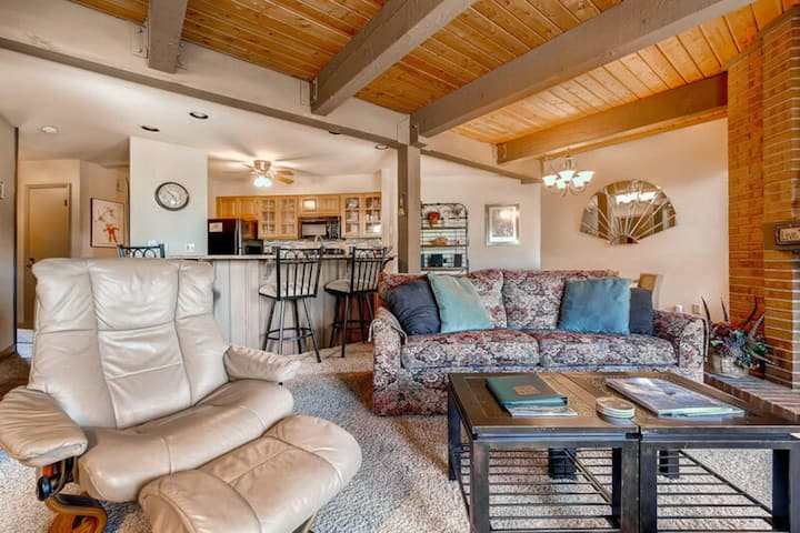 Steamboat Home w/Gas Fireplace/Shared Pool/Hot Tub/Free WiFi + Easy Ski Access!