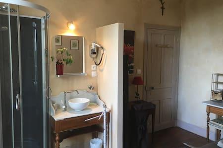 Chambre double avec lit supplémentaire - Paray-le-Monial
