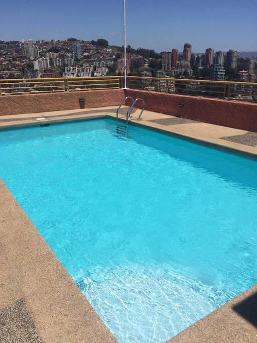 Piscina en el último piso / Roof Pool