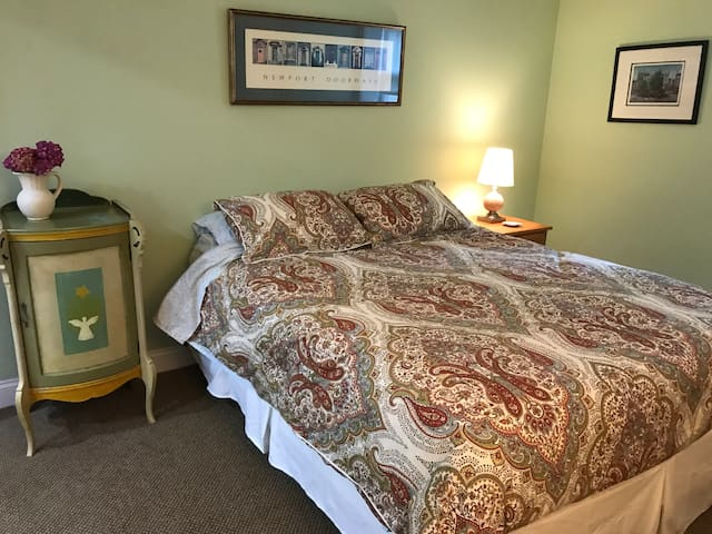 Rumson 2 Room Guest Suite