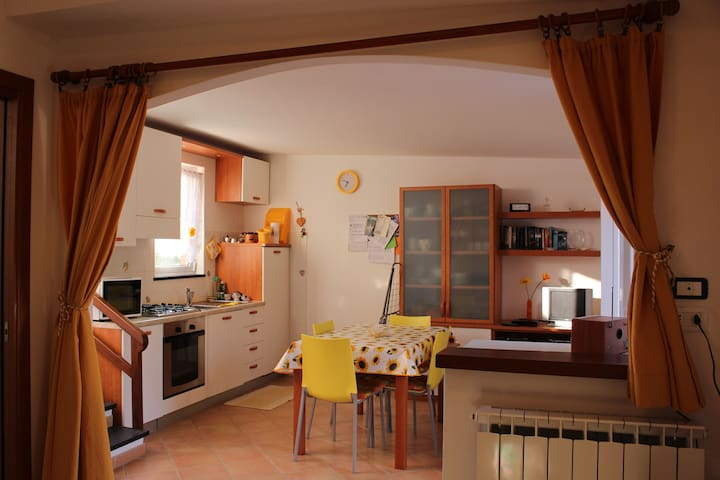 Nice independent house close to Cinque Terre