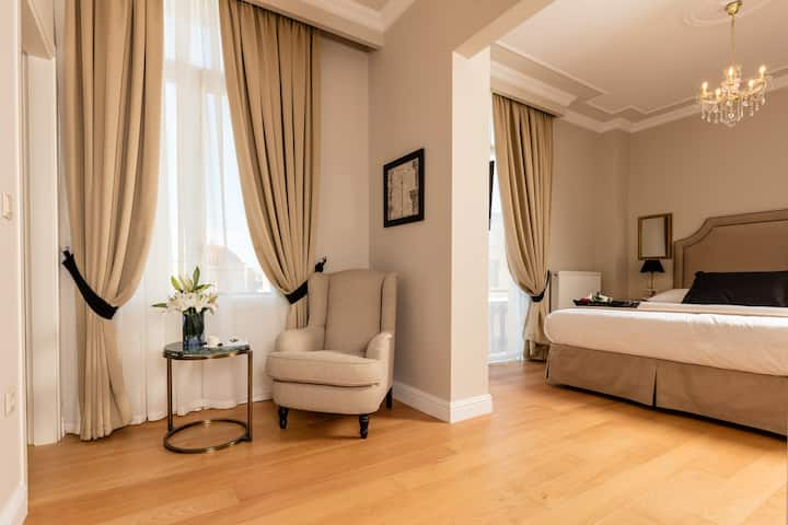 Superior Room By Athens Mansion