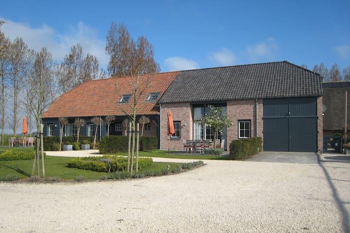 Spacious Villa near Sea in Sluis