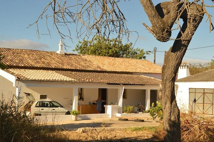 Casa de campo - Typical Portuguese country house - loule - บ้าน