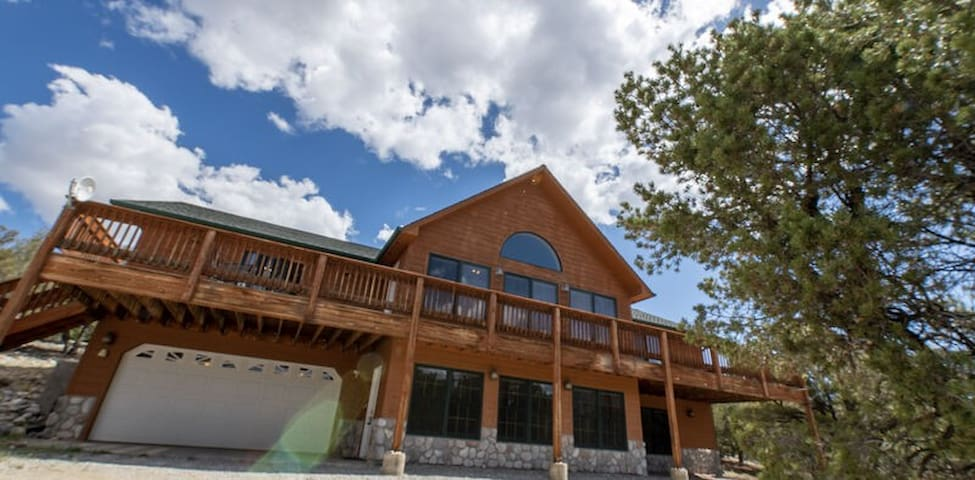 Grand View: Great Views, 30 Night Minimum Perfect for Your Whole Family!!
