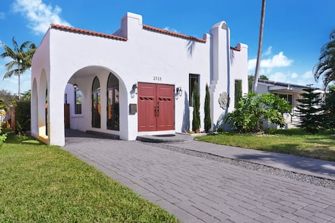 Hollywood Home Close to Beach & Downtown