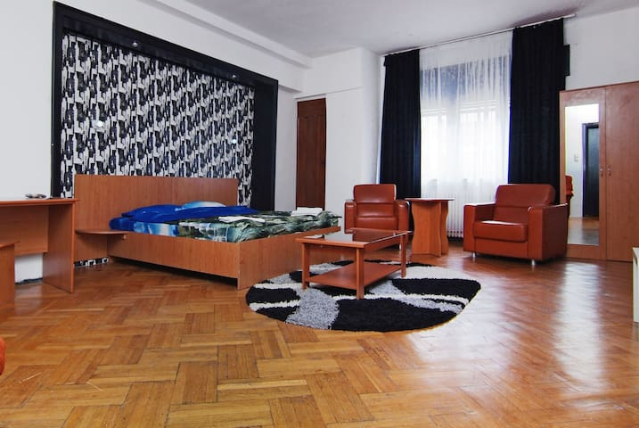 Luxury Room in Bucharest's Center - Bukareszt - Apartament