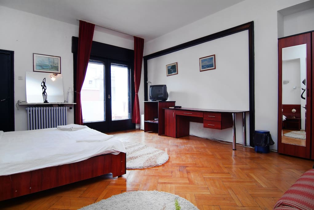 Charming room in Bucharest's center