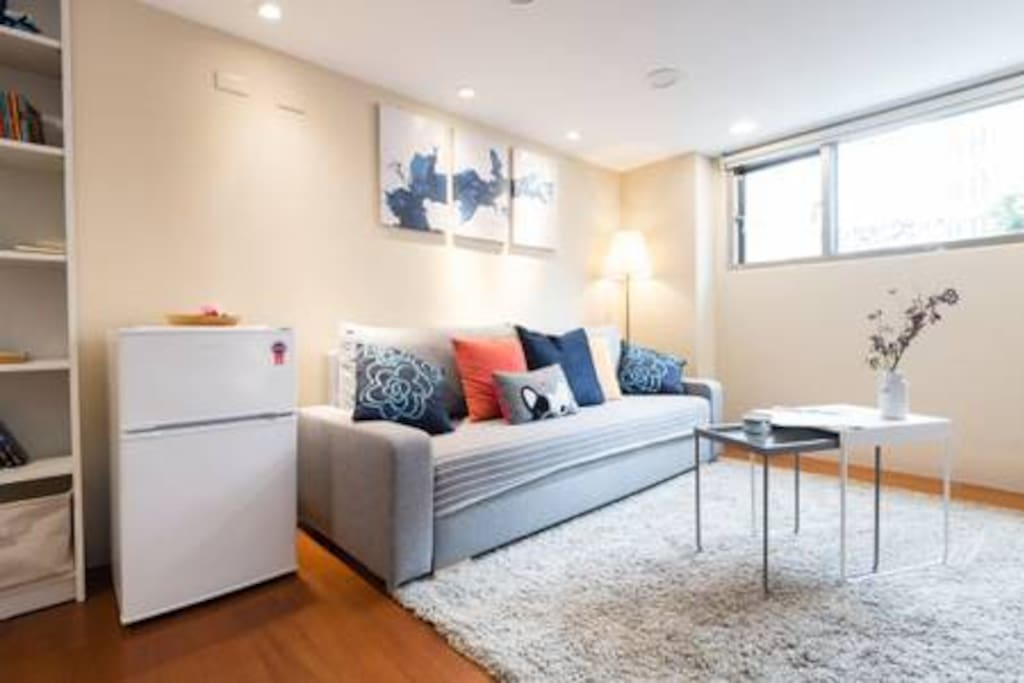 客廳明亮溫馨Bright living room