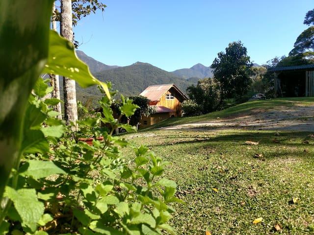 Aconchegante cabana no Sítio Canto Verde