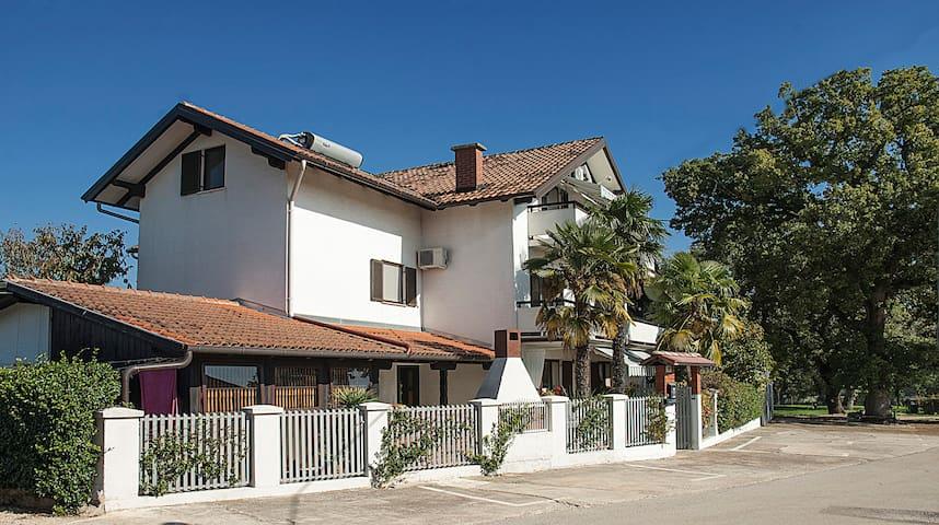 Villa Paolija APP1 573