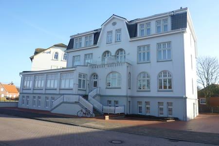Strandvilla zum Erholen - Borkum