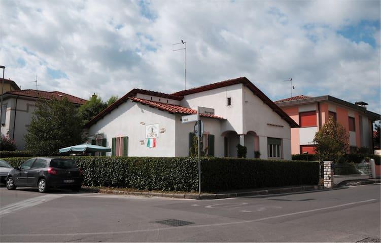 Camere matrimoniali con bagno  2 - Lucca - Talo