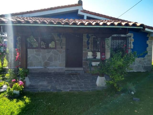 Casa situada en parque natural  del rio Asòn.
