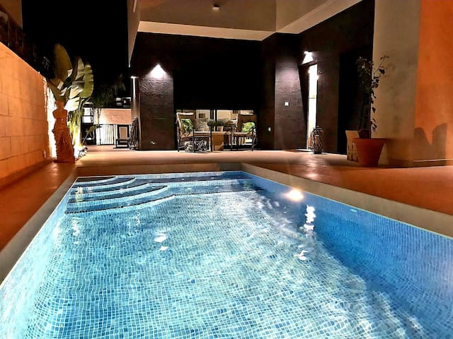 En-suite double room in new villa with pool
