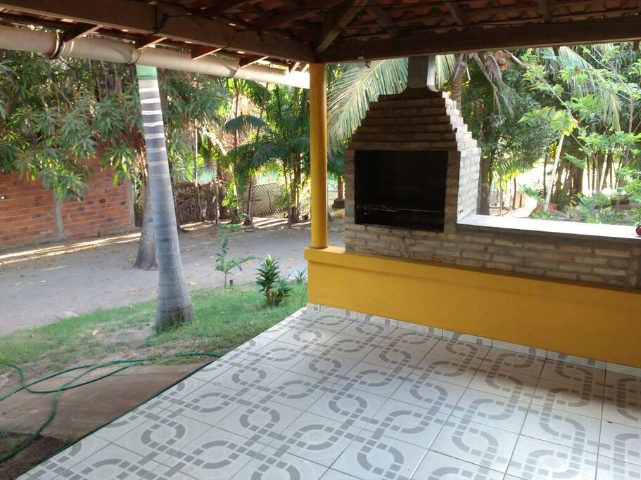 Varanda com Churrasqueira  Balcony with barbecue