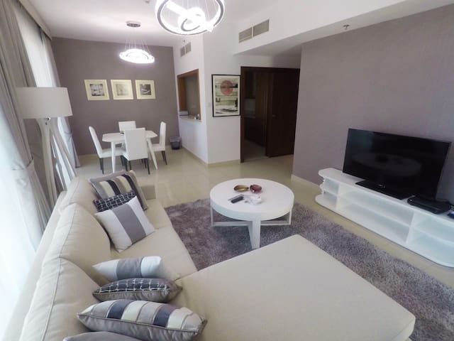 Stay in the heart of Dubai 3 beds