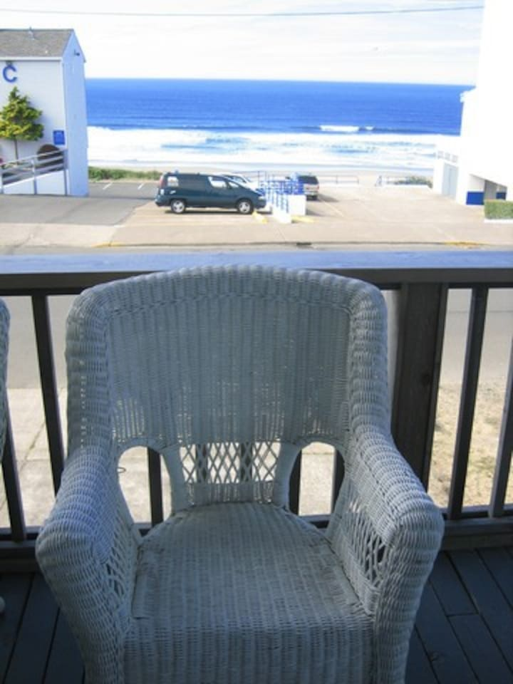 Ocean-view, Pet-friendly Duplex