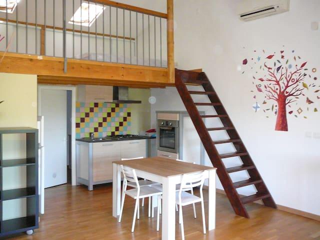 Studio 35 m² en duplex meublé  - Peyrolles-en-Provence - Daire