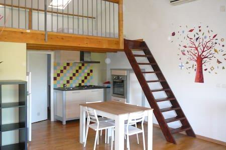 Studio 35 m² en duplex meublé  - Peyrolles-en-Provence