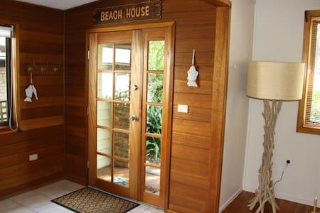Harrys Place at Berrara Beach - Berrara - House