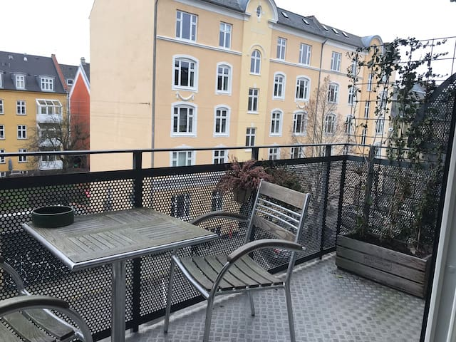 Great apartment in Frederiksberg near Metro&shops