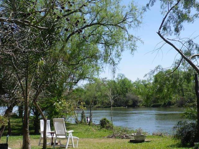 Paraíso sobre el Arroyo Potrero.