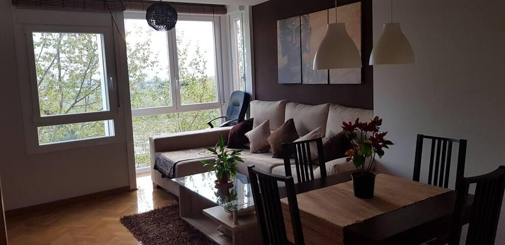 Habitación luminosa, cama matrimonio 140x200